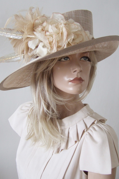 Gold Mother of the Bride hats. Mother of the Bride Hat Hire. Hat Hire for Ascot 2021.