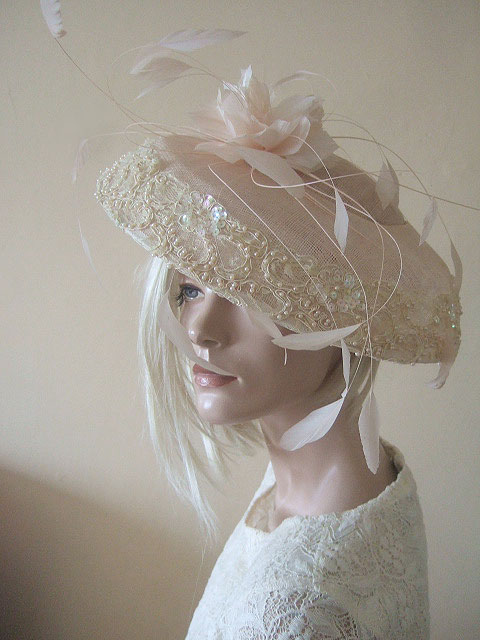 Designer Hats for Hire London. Shell Pink Hats. Summer Wedding Hats 2020. Hat Hire Near London. Designer Hat for Hire 2020. Wedding Hats for Hire UK 2020. Saucer Hats for the Races 2020. Hat Hire Surrey. Hat Hire Berkshire.