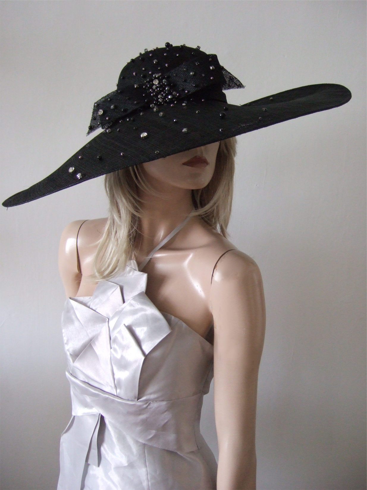 Big Hat for Royal Ascot 2020. Royal Ascot Hat Rental 2020. Hat Hire Berkshire. Amazing Royal Ascot Hats 2020. Ladies Wedding Hats for Hire 2020. Black Mother of the Bride Hats 2020. Royal Ascot Hat Rental 2020. Formal Wedding Hats for Hire UK 2020. Hats for the Races 2020.