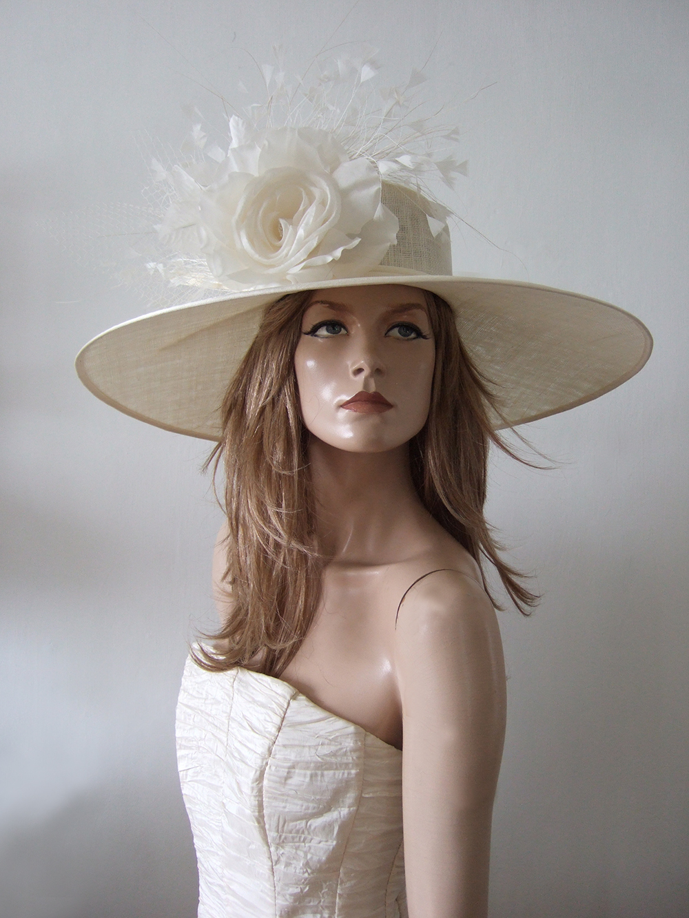 Cream Wedding Guest Hats 2020. Navy Hats for Royal Ascot 2020. Cream Ladies Formal Hats, Formal Hat Hire 2020. Hat Hire Berkshire. Wedding guest hats 2020. Hats for Hire 2020. Cream Ladies Wedding Hats. Cream Ivory Mother of the Bride Hat 2020. Royal Ascot Hat Rental 2020. Wedding Hats for Hire UK 2020. Hire Hats for Epsom Races 2020. Hats for the Races 2020.