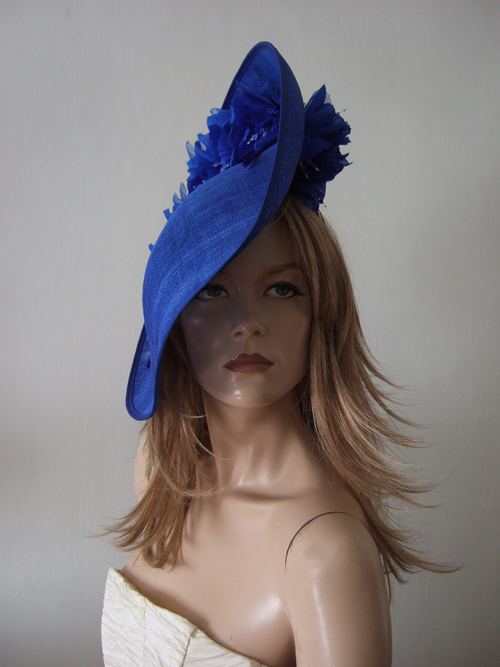 Blue Hats for Royal Ascot 2021. Royal Ascot Hat Rental 2021. Hat Hire Berkshire. Best Royal Ascot Hats 2021. Ladies Wedding Hats for Hire 2020. Blue Mother of the Bride Hats 2020. Rent a Hat for Royal Ascot 2020. Formal Wedding Hats for Hire UK 2020. Hats for the Races 2021.