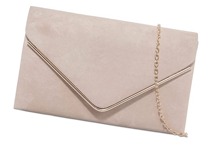 Nude Pink Mother of the Bride Bag 2021. Low Price Nude Clutch Bag 2020. Bags to wear with a Nude Pink Dress. Cheap Clutch bag for the Races 2021. Royal Ascot Outfit ideas 2021. Spring fashion outfit ideas 2021.