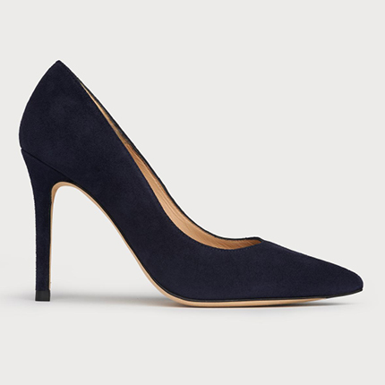 LK Bennett Navy Court Shoes 2021. Navy Mother of the Bride Shoes 2021. Navy shoes for Wedding guests 2021. Navy Mid heel shoes for the races. Navy Royal Ascot outfit ideas 2021.