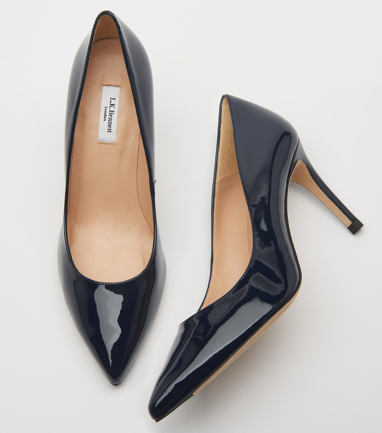 Lk Bennet court shoes. LK Bennett navy court shoes. Navy Court shoes for Mother of the Bride 2020. Shoes for Cheltenham races 2021. Navy Court Shoes for Royal Ascot 2021.
