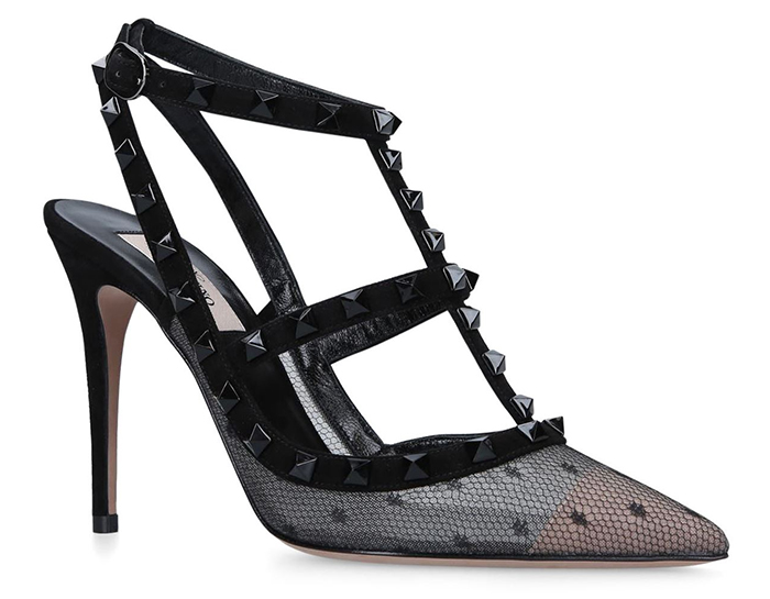 Valentino Garavani Lace Rockstud shoes 2020. Valentino Black Roskstud shoes 2020. Valentino Shoes 2020. Designer shoes to wear to the races. Shoes to wear with a black Dress. Summer wedding guest outfits 2020.