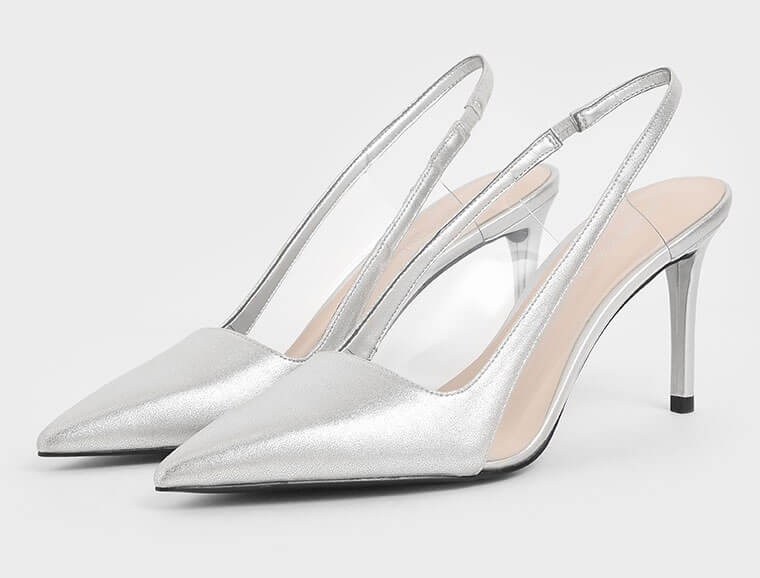 silver medium heel shoes. Medium heel silver shoes. Silver shoes for summer wedding guests 2021. Shoes for Royal Ascot 2021. Silver mother of the bride shoes 2021. Shoes to wear with a silver dress.