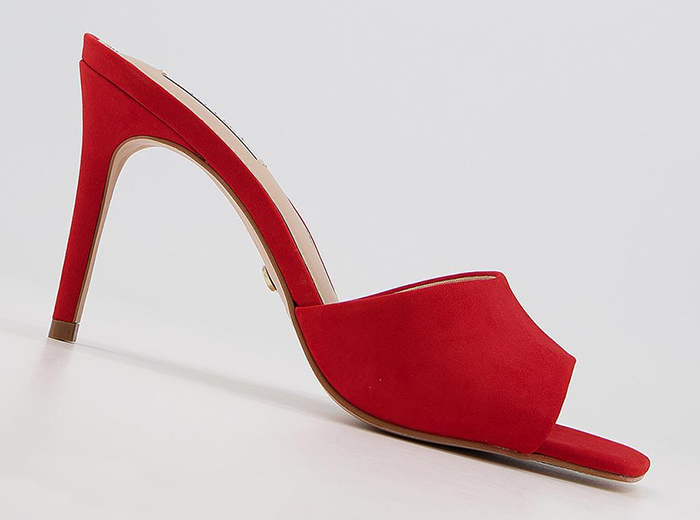 Red Medium Height Shoes 2021. Red Mother of the Bride Shoes 2021. Shoes to wear with a Red Dress 2021. Shoes for Royal Ascot Races 2021. Best Red Shoes 2021. Red Shoes for Summer Wedding Guest 2021.