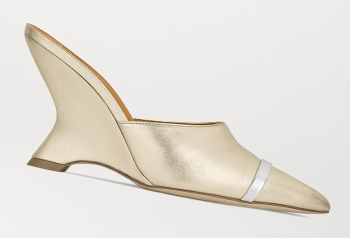Gold and Silver Shoes for Wedding Guest 2020. Gold shoes to wear to the races. Shoes to wear with a gold dress. Gold Royal Ascot outfit ideas 2021. Gold Mother of the bride shoes 2020. Gold Bridesmaids Shoes.