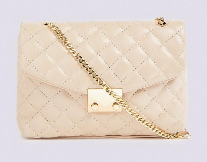 Cream Quilted Handbag 2021. Cream Mother of the Bride HandBags 2021. Bag to wear with a Cream dress 2021. What to wear for Ladies Day at the races. Cream HandBags for the races 2021. Ideas for Summer wedding guest outfits 2021.
