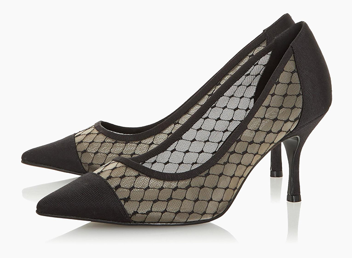 Dune mesh shoes 2020. Shoes to wear for a wedding with black hat. Medium heel black Shoes 2020. Black shoes to wear to the races. Shoes to wear with a black and white Dress. Summer wedding guest outfits 2020.